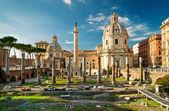 Trajan's Column in the forum of Trajan in Rome, Italy — Stock Photo