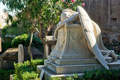 Tomb in the non-Catholic cemetery in Rome — Stock Photo