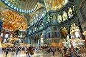 Tourists visiting the Hagia Sophia in Istanbul, Turkey — Stock Photo