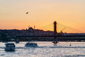 The Golden Horn and cityscape at sunset, Istanbul, Turkey — Stock Photo