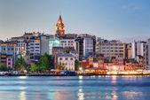 Visa galata distriktet till solnedgången, istanbul, turkiet — Stockfoto