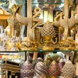 A variety of luxury gifts offered for sale at the Grand Bazaar i — Stock Photo