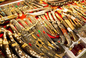 East edged weapons sold in the Grand Bazaar in Istanbul, Turkey — Stock Photo