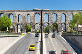 Aqueduct of Valens in Istanbul, Turkey — Stock Photo