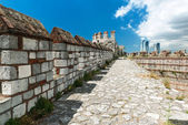 The top of the wall of the Yedikule Fortress in Istanbul, Turkey — Stock Photo