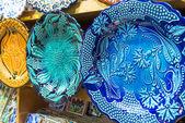 Turkish ceramics in the Grand Bazaar in Istanbul, Turkey — Stock Photo