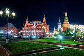 Manezhnaya Square at night in Moscow, Russia — Stock Photo