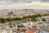 Paris skyline with Seine — Stock Photo