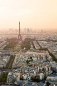Cityscape of Paris with Eiffel tower — Стоковое фото