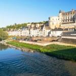 Chateau de Amboise on the river Loire, France — Stock Photo #39097773