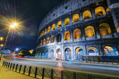Colosseum (Coliseum) at night in Rome — Foto Stock