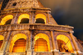 Colosseum (Coliseum) at night in Rome — Stock Photo