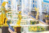 Grand cascade at Peterhof Palace, Saint Petersburg — Stock Photo