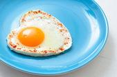 揚げ卵とトースト — ストック写真