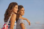 Teens on vacation — Stock Photo