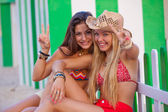 Teens love Ibiza — Stockfoto
