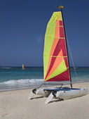 Sail boat on the shore — Stock Photo