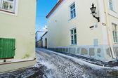 Eski kasaba tallinn soğuk sabah'ın ıssız sokakta — Stok fotoğraf