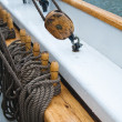 Pulley attached to the ship's deck — 图库照片