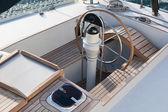 Stut och kompass på segelbåt — Stockfoto
