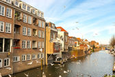 Home on the city channel in Gorinchem. Netherlands — Stok fotoğraf
