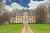 The old mansion in the park. France — Stock Photo