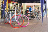 Bicycles and people on the street in Dordrecht, Netherlands — Stock Photo
