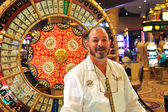 Croupier casino in Caesar's Palace in Las Vegas — ストック写真