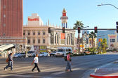 Pedestrians in downtown in Las Vegas, Nevada. — Stock Photo