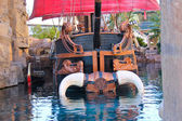 Pirate ship at pond near Treasure Island hotel in Las Vegas — Stock Photo