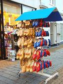 Selling national shoes in the Dutch city of Gorinchem — Zdjęcie stockowe