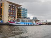 Embankment and modern buildings  in Amsterdam. Netherlands — Stock fotografie