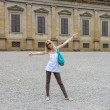 Attractive girl near the Palazzo Pitti in the Boboli gardens, Fl — Stock Photo #47055817