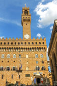 View of the Palazzo Vecchio from the Florence of city streets. F — Stock Photo