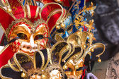 Souvenirs and carnival masks on street trading in Venice, Italy — Stock Photo