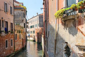 House on a canal in Venice, Italy — Foto Stock