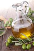 Oliva y aceite de cocina — Foto de Stock