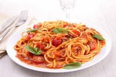 Spaghetti with tomato sauce and meat — Stock Photo