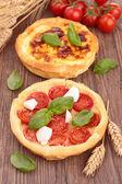 Tarta quiche y tomate — Foto de Stock
