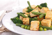 Grilled tofu and vegetables — Stock Photo