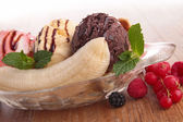 Gourmet banana split and berries — Stock Photo