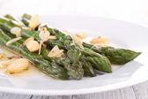 Piatto di asparagi con mandorle — Foto Stock