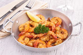 Casserole with grilled shrimp — Stock Photo
