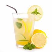 Ice cold lemonade — Stock Photo