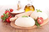 Tomato basil flour oil for homemade pizza — Stock Photo