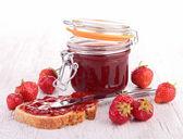 Strawberry jam and bread — Stock Photo