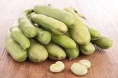 Green bean on wood — Stock Photo