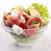 Salad with fig, prosciutto and cheese — Foto Stock