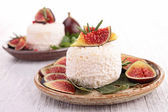 Goat cheese with figs — Stock Photo