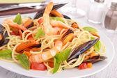 Spaghetti and crustacean — Stock Photo